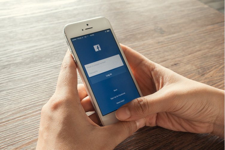 mobile-responsive Facebook contact forms